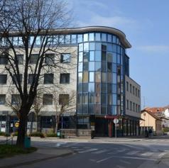 MIKK zaposli organizatorja kulturnega programa, Pošta Slovenije pa pismonoša