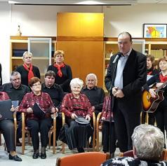FOTO: Dom starejših občanov Ljutomer obiskal pevski zbor Večerna zarja