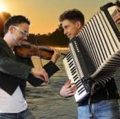 VIDEO: Mišo Kontrec in njegov sin Dominik se predstavljata z novo balado Najina pot