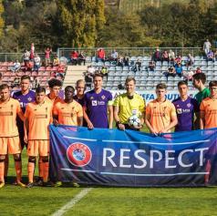 FOTO: V Lendavi spopad mladih upov Liverpoola in Maribora