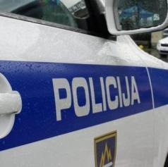 Policisti obravnavali krajo osebnega vozila