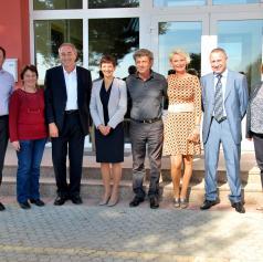 FOTO: Ministrica za šolstvo dr. Maja Makovec Brenčič obiskala osnovno šolo v Bogojini