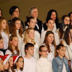 FOTO: Dobrodelni božično-novoletni koncert v Bakovcih