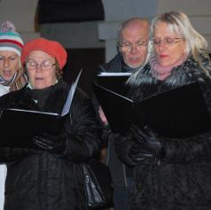 FOTO: V Beltincih s petjem božičnih pesmi pričarali pravo božično vzdušje