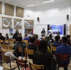 FOTO: Dijaki vzgojiteljskega programa GFML preko projekta JeZNAK svoje izkušnje nabirali v Angliji